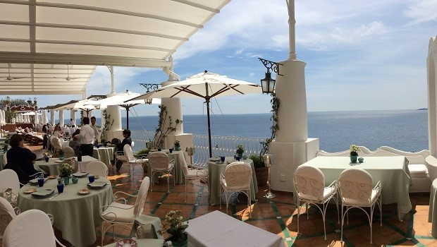 Vinous Table Le Sirenuse Pool Bar And Grill Positano Italy